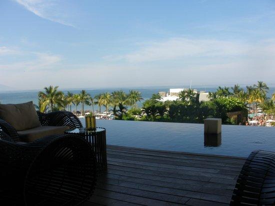 Secrets Vallarta Bay Resort & Spa: Beautiful lobby view
