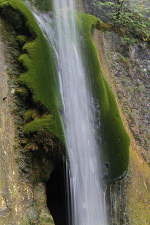 Hotel du Musee de l'Eau: Water Fall