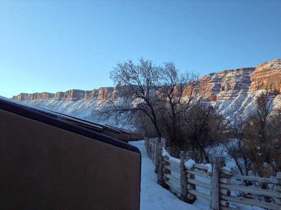 Red Cliffs Lodge: Cliffs