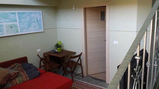 iBex (iBike) Unique Desert Inn: 1st floor with sofa bed (very comfortable); door to bathroom