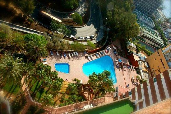 Corona Roja - Playa del Ingles: Pool from above
