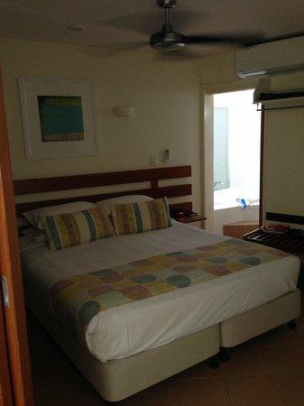 Peninsula Boutique Hotel: Super comfy bed