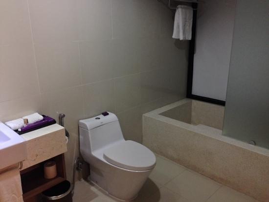 Park Regis Kuta Bali: deluxe pool suite