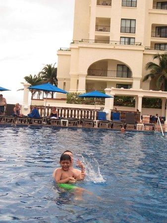 Marriott Cancun Resort: Pool