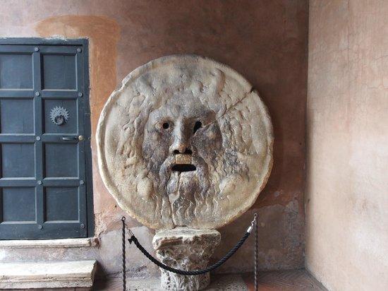 Bocca della Verita : 思っていたより大きいです