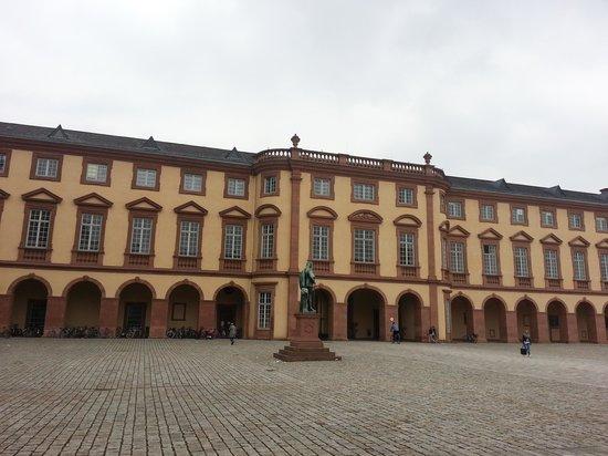 Schloss Mannheim: 1
