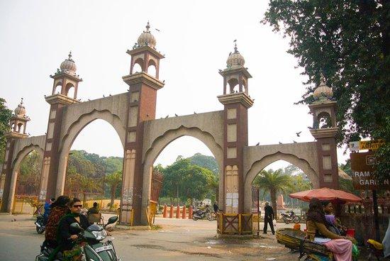 Rambagh Gardens: Entry Gate