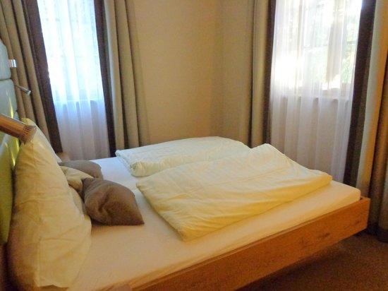 Gasthof Hotel Daimerwirt: mattress on slat frame