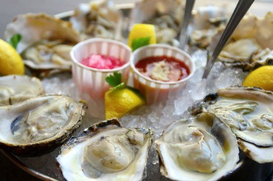 Stella's Fish Cafe : Fresh Oysters Daily