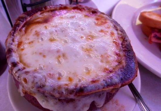 Route 9 Diner: Bubbling french onion soup