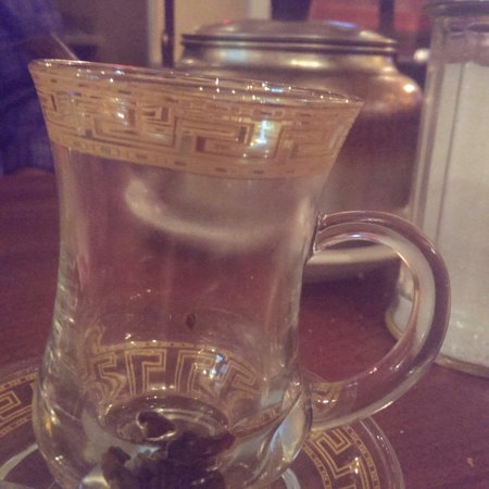 Petra Cafe and Hookah: The hot tea...must order