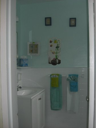 Angelfish Inn: bathroom