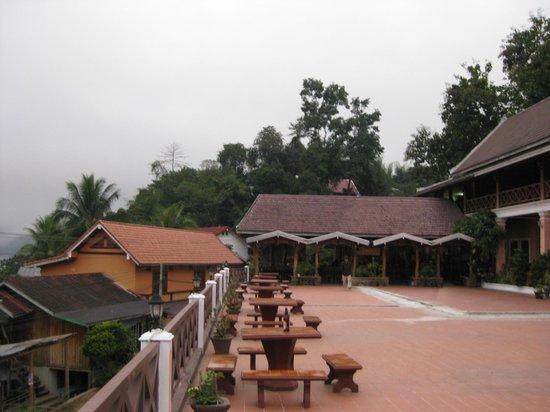 Phetsokxai Hotel Pakbeng: Misty morning