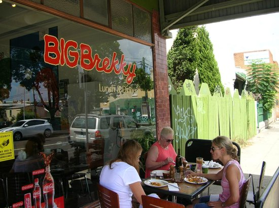 Big Brekky Place: Our table