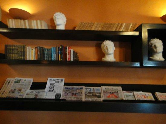 Hodelpa Nicolas de Ovando: library
