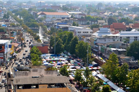Amora Resort Tapae Chiangmai : Start of awesome Sunday night market