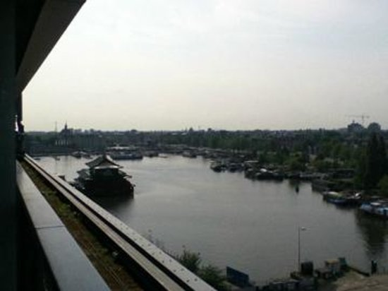 DoubleTree by Hilton Hotel Amsterdam Centraal Station : View from balcony