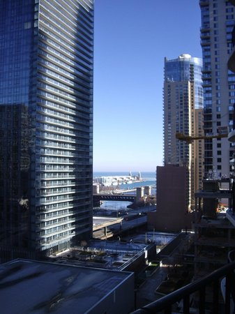 Radisson Blu Aqua Hotel: Looking east to Navy Pier from our own balcony.