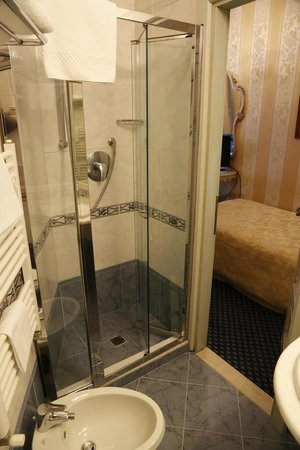 Villa Igea: Bathroom (single room n.701)