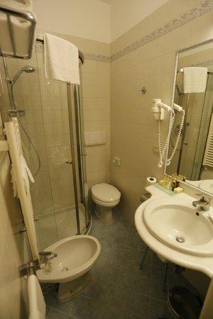 Villa Igea : Bathroom (double room n.604)