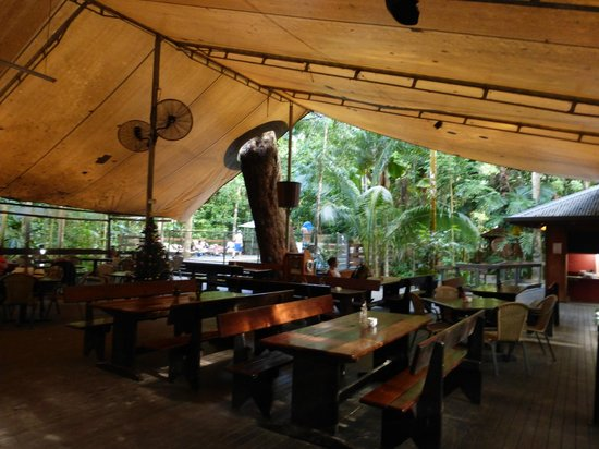 Cape Tribulation Beach House: Restaurant/bar