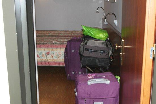 Hotel Da Porto : so called triple room