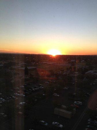 Anaheim Marriott Suites: Pacific sunset