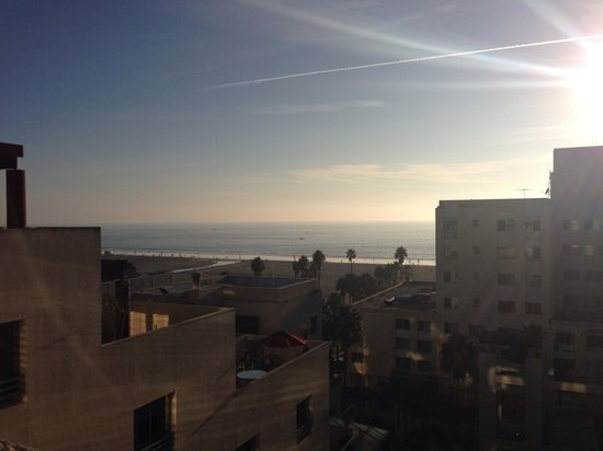 JW Marriott Santa Monica Le Merigot: View of beach from my balcony on 6th floor