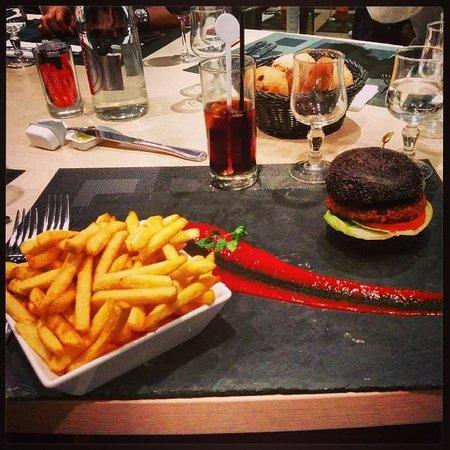 Hilton Paris Orly Airport: Burger