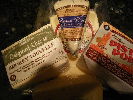 Rogue Creamery: Cheddar, chipotle and Bleu, oh My!