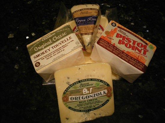 Rogue Creamery: Cheese plate