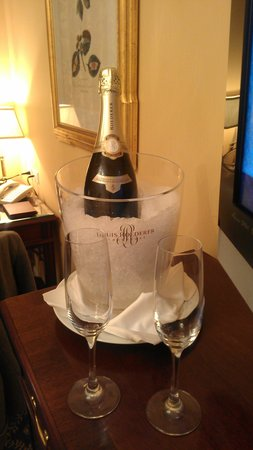 Four Seasons Hotel Westlake Village : Welcome Gift