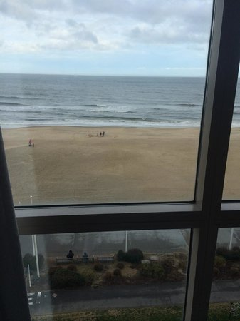 Residence Inn by Marriott Virginia Beach Oceanfront: The view from our bed :)