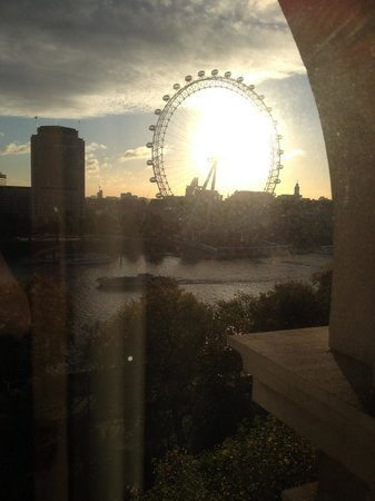 The Royal Horseguards: Fantastic view of the Thames