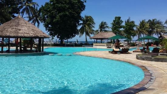 The Santosa Villas & Resort: resort pool