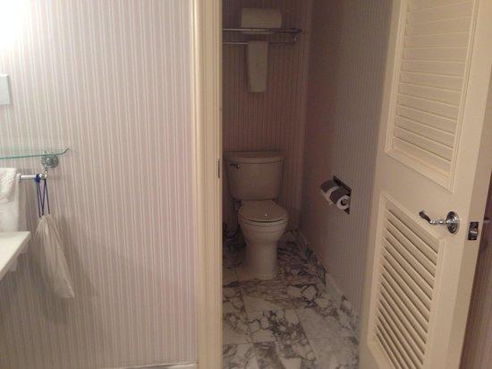 The Ritz-Carlton, New Orleans : Room 1110 Master Bath 3