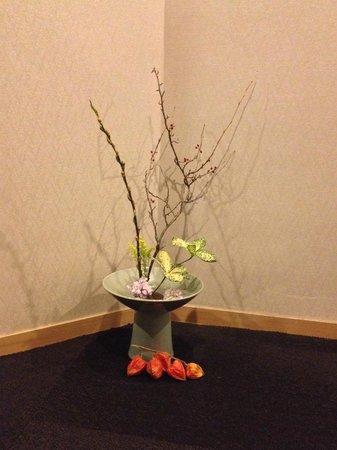 Iroha : Beautiful Flower Arrangements throughout the Inn