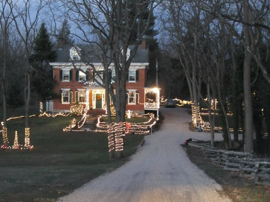 The Lightner Farmhouse: Christmas Lights