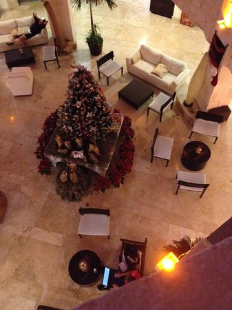 Adhara Hacienda Cancun: View of lobby from upper floor