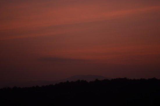 Katiliya Mountain Resort & Spa: Sunset