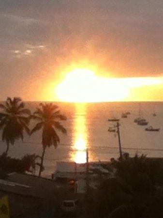 Hotel Park Avenue Villas: amazing sunsets