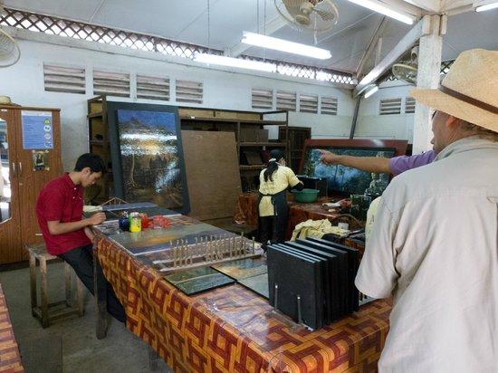 Artisans Angkor: View of artists