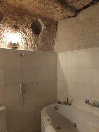 Cappadocia Cave Suites: bathroom