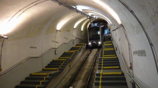 Konigstuhl Funicular (Bergbahn): tunnel toward the bottom