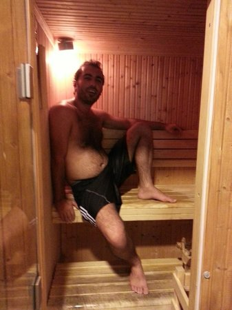 Kingsgate Hotel Doha: The two person Saunas were great
