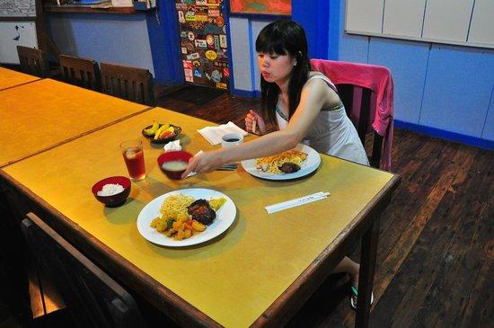 Carp Island Resort : 島上的飲食,採用自助餐式,種類算齊全