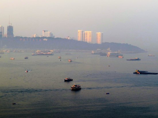 Holiday Inn Pattaya : バルコニーからの眺望