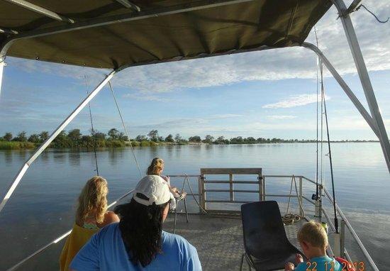 Kalizo Lodge: Great boats