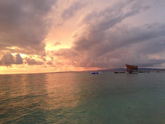 Leleuvia Island Resort : Sunset