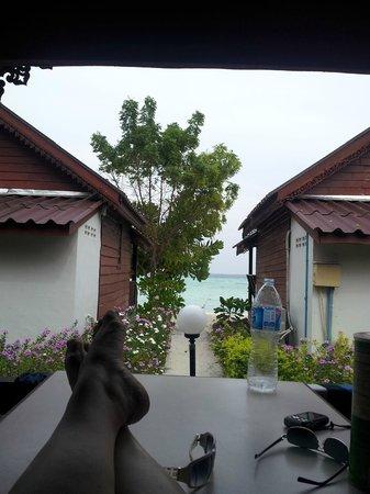 Lipe Power Beach Resort: view from 2nd row bungalow